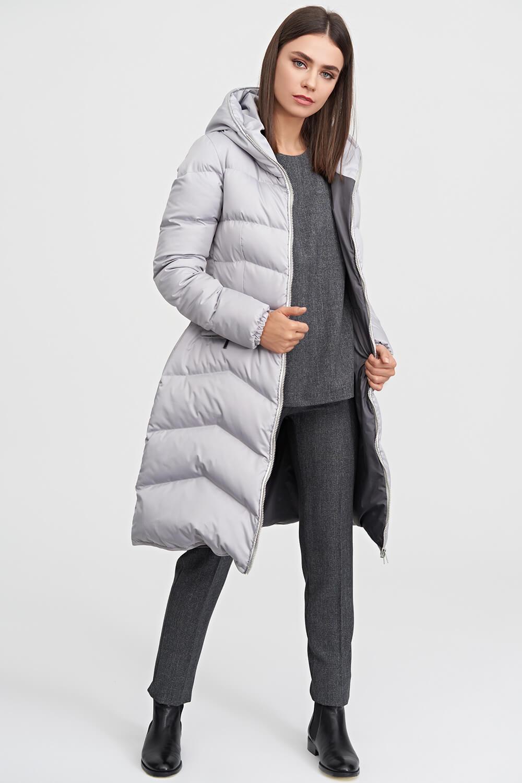 f8f0c362d33c Пальто-пуховик с капюшоном светло-серого цвета купить в интернет ...